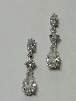 Photo of diamond earrings Northwest Indiana.