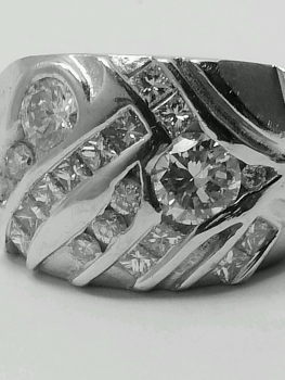Photo of customized jewelry Crown Point.