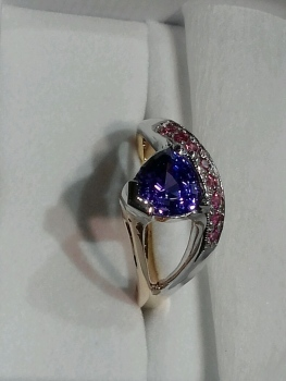 Photo of sapphire ring Crown Point.
