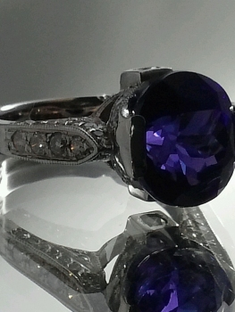 Photo of sapphire ring St. John.