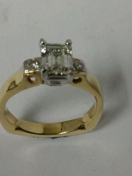 Photo custom jeweler Northwest Indiana.