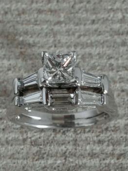 Photo platinum engagement ring Northwest Indiana.