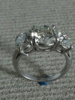 Photo platinum jewelry Northwest Indiana.