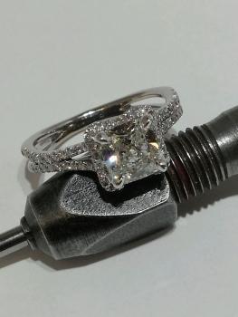 Photo Northwest Indiana platinum ring.