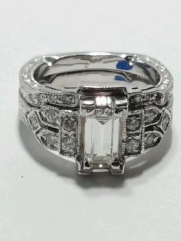 Photo of Cedar Lake jeweler.