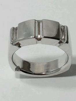 Photo of Merrillville custom jewelry designer.