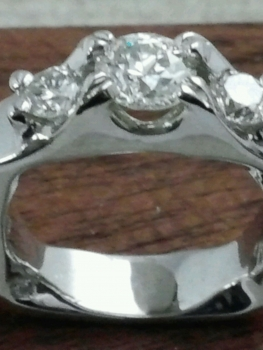 Photo of custom platinum ring Munster.